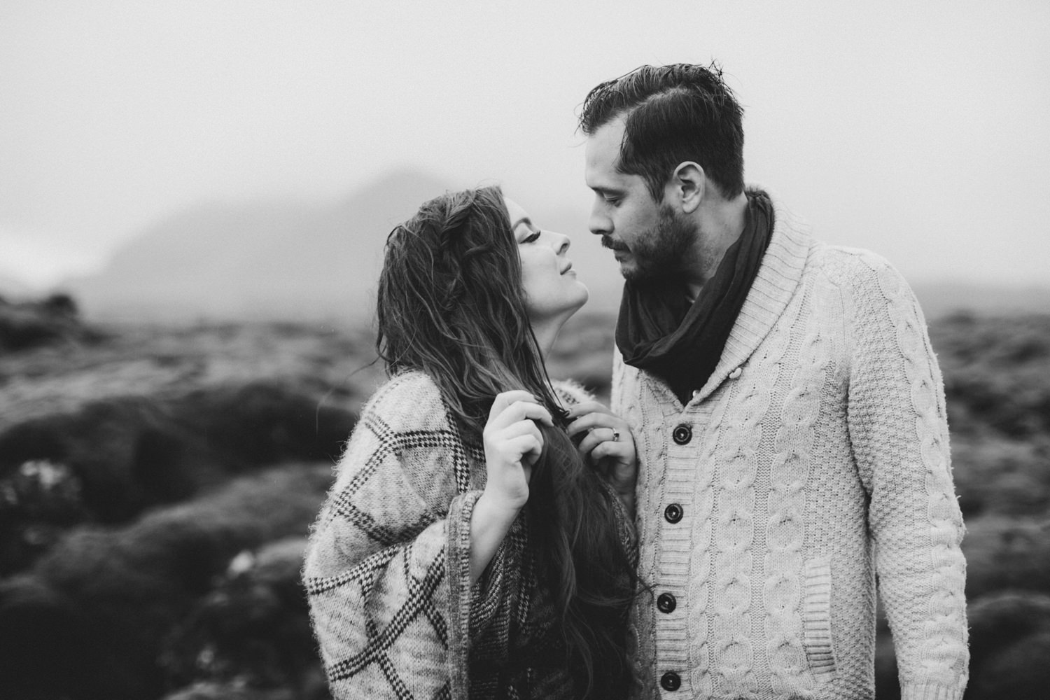 ICELAND_ELOPEMENT_SAMMBLAKE_BROOKETAVIS_WEDDING_018