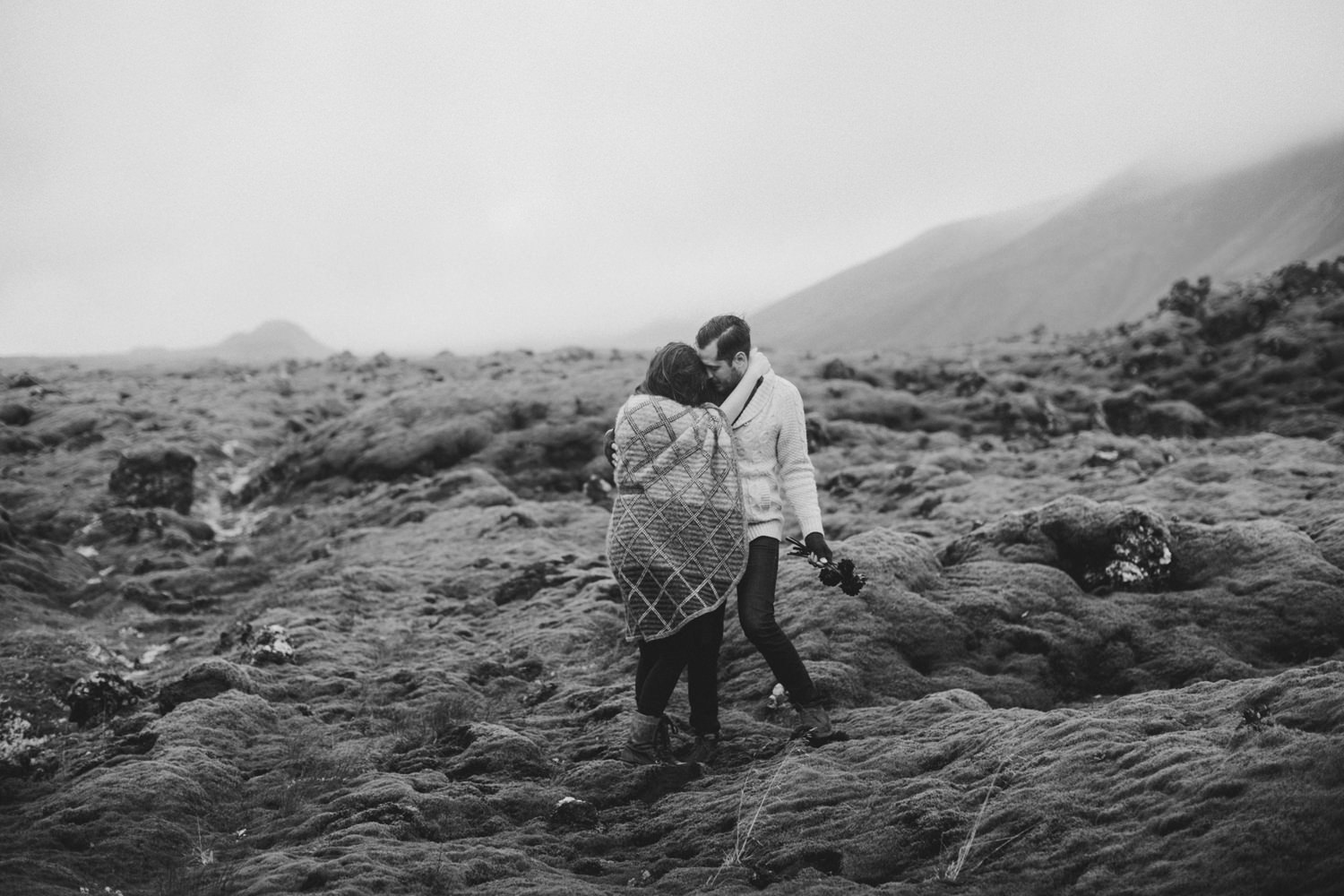 ICELAND_ELOPEMENT_SAMMBLAKE_BROOKETAVIS_WEDDING_031